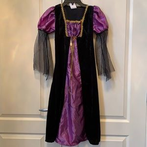 NWOT Halloween Victorian Costume Size Medium